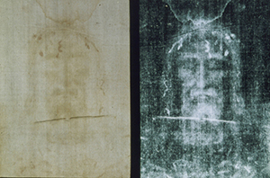 A photo of Shroud of Turin and its negative imprint.